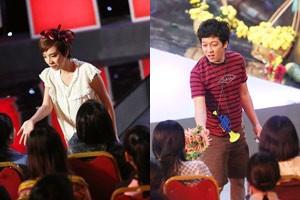Phim - Thu Trang, Trường Giang xuống sân khấu bán hoa quả