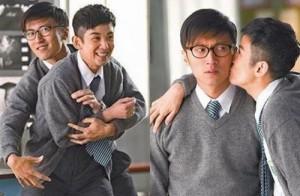"""Ngôi sao điện ảnh - Poster phim Tết mạ vàng """"siêu độc"""" của showbiz Hoa"""