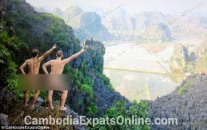 Tin tức trong ngày - Bị trục xuất vì chụp ảnh khỏa thân ở đền Angkor