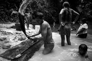 Phi thường - kỳ quặc - Chùm ảnh: Bộ lạc ít người nhất hành tinh sắp tuyệt chủng