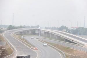 Tin tức trong ngày - Lạ: Xe CSGT dẫn nông dân đi xem cao tốc đẹp nhất VN