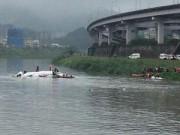 An ninh thế giới - Đài Loan: Máy bay ATR-72 lao xuống sông, 12 người chết