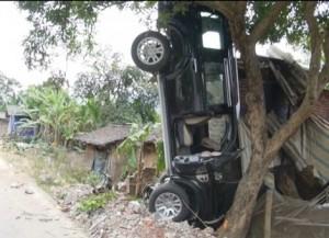 Tin tức trong ngày - Đình chỉ Bí thư Huyện ủy lái xe làm chết 3 người