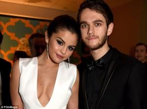Ca nhạc - MTV - Selena Gomez ngọt ngào bên bạn trai mới