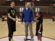 Các môn thể thao khác - Thi ném rổ: Cô bé 10 tuổi đánh bại SAO NBA