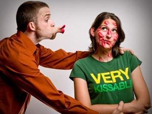 Cười 24H - Đọc kỹ hướng dẫn sử dụng trước khi hôn