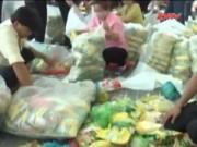 Video An ninh - Nhận quà tết, hàng ngàn công nhân dính phải hàng giả