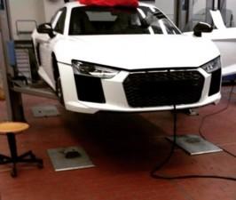 """Thế giới xe - Siêu xe Audi R8 bị """"chộp"""" tại nhà máy"""