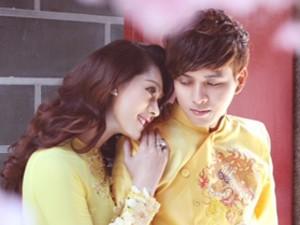 Ca nhạc - MTV - Lâm Chi Khanh tình tứ, e lệ bên Hồ Quang Hiếu