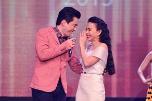 Lam Trường tình cảm cùng Cẩm Ly trên sân khấu