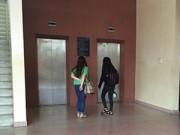 Giáo dục - du học - Một nữ sinh viên bị tạt a-xít ngay tại trường