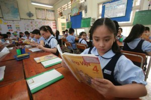 Giáo dục - du học - Nhà văn, nhà thơ kiện NXB Giáo dục: Chỉ còn chờ vào Tòa án?