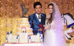 Ca nhạc - MTV - Vợ Châu Kiệt Luân mặc váy gần 700 triệu tại lễ cưới lần 2