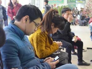 Tin tức trong ngày - Hành khách hài lòng với wifi miễn phí ở bến xe Mỹ Đình