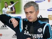 Bóng đá Ngoại hạng Anh - Mượn vụ Persie đánh cùi chỏ, Mourinho chỉ trích FA