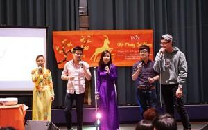 Tin tức trong ngày - Du học sinh Việt tại Mỹ gói bánh chưng đón Tết sớm