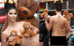 Thời trang - Người mẫu Đức gây náo loạn vì che thân bằng 3 con gấu