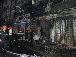 Tin tức Việt Nam - Cà Mau: Cháy lớn tại công ty điện máy