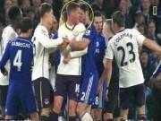 Video bóng đá hot - Nghi án Ivanovic bắt chước Suarez cắn người