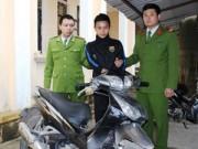 An ninh Xã hội - Thua lô đề, vác búa đinh đi cướp xe máy
