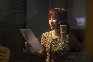 Uyên Linh rạng rỡ thu nhạc phim cho Bằng Kiều