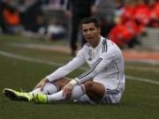 """Bóng đá - Ronaldo: Trái tim """"rỉ máu"""", đôi chân tổn thương"""