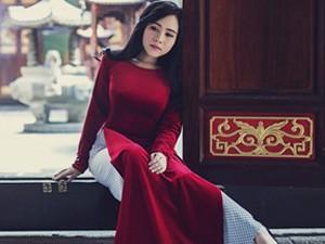 """Phim - Nữ diễn viên """"lùn nhất Vbiz"""" gợi cảm trong tà áo dài đón Xuân"""