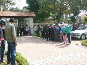 Tin tức trong ngày - Người dân rơi nước mắt khi nghe tin ông Nguyễn Bá Thanh mất