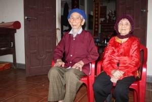Tin tức Việt Nam - Hơn 100 cái Tết của cặp vợ chồng cao tuổi nhất châu Á
