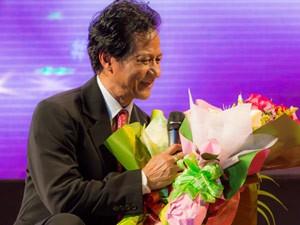 Sao ngoại-sao nội - Liveshow Chế Linh không bị đình chỉ tại Quy Nhơn