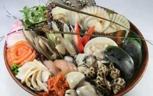 Sức khỏe đời sống - Ngày Tết, đã ăn hải sản thì chớ uống bia