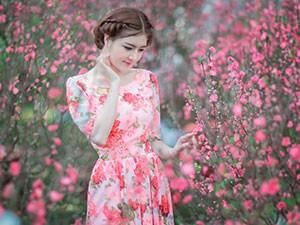 Lilly Luta đẹp tựa nàng thơ trên phố xuân Sài Gòn