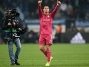 Bóng đá - CR7 san bằng kỷ lục của Messi ở đấu trường châu Âu