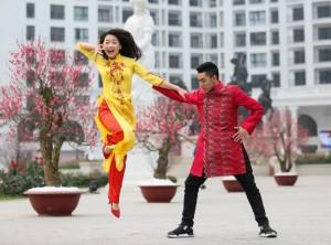 Bạn trẻ - Cuộc sống - Ảnh xuân độc đáo của cặp kiện tướng dancesport