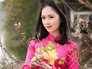 8X + 9X - Hoa khôi Tràng An đẹp như nàng xuân trên phố cổ Hà Nội