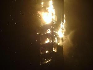 Tin tức trong ngày - Dubai: Chung cư cao nhất thế giới bốc cháy