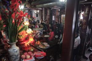 """Tin tức Việt Nam - """"Đông như chùa Bà Đanh"""" ngày Tết"""