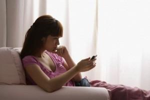 Bạn trẻ - Cuộc sống - Mừng thầm khi nhận tin nhắn từ bồ cũ của chồng