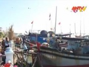 Video An ninh - Cứu hộ thành công tàu cá mắc cạn tại cửa biển Đà Diễn