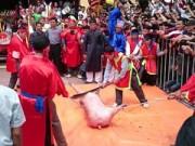 Tin tức Việt Nam - Ảnh: Dân Ném Thượng chém lợn giữa sân đình