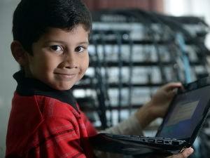 Cậu bé ít tuổi nhất thế giới được cấp bằng chuyên viên IT