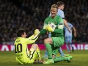 """Bóng đá - Hài hước: Messi """"rình rập"""" Joe Hart bất thành"""
