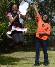Giáo dục - du học - Bé 10 tuổi tự học ở nhà đỗ đại học Anh