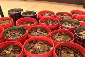 """Phi thường - kỳ quặc - Những vụ mua bán hàng """"bao tải"""" tiền lẻ, tiền xu khổng lồ"""