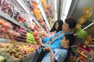 Thị trường - Tiêu dùng - TP.HCM: Giá thực phẩm sau tết tăng không đáng kể