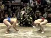 Thể thao - Độc chiêu Sumo: Thắng trận chỉ sau 1 cú né người
