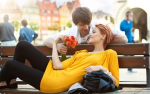 """Bạn trẻ - Cuộc sống - """"Ngôn ngữ tình yêu"""" giúp cải thiện mối quan hệ"""