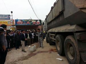 Tin tức Việt Nam - Hà Nội: Bị xe tải cán, nữ sinh tử vong