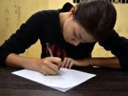 Trang Trần rơi nước mắt nhận lỗi trong đồn công an