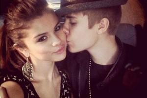 "Sao ngoại-sao nội - Justin Bieber tố Selena Gomez ""dựa hơi"" trong hit mới"